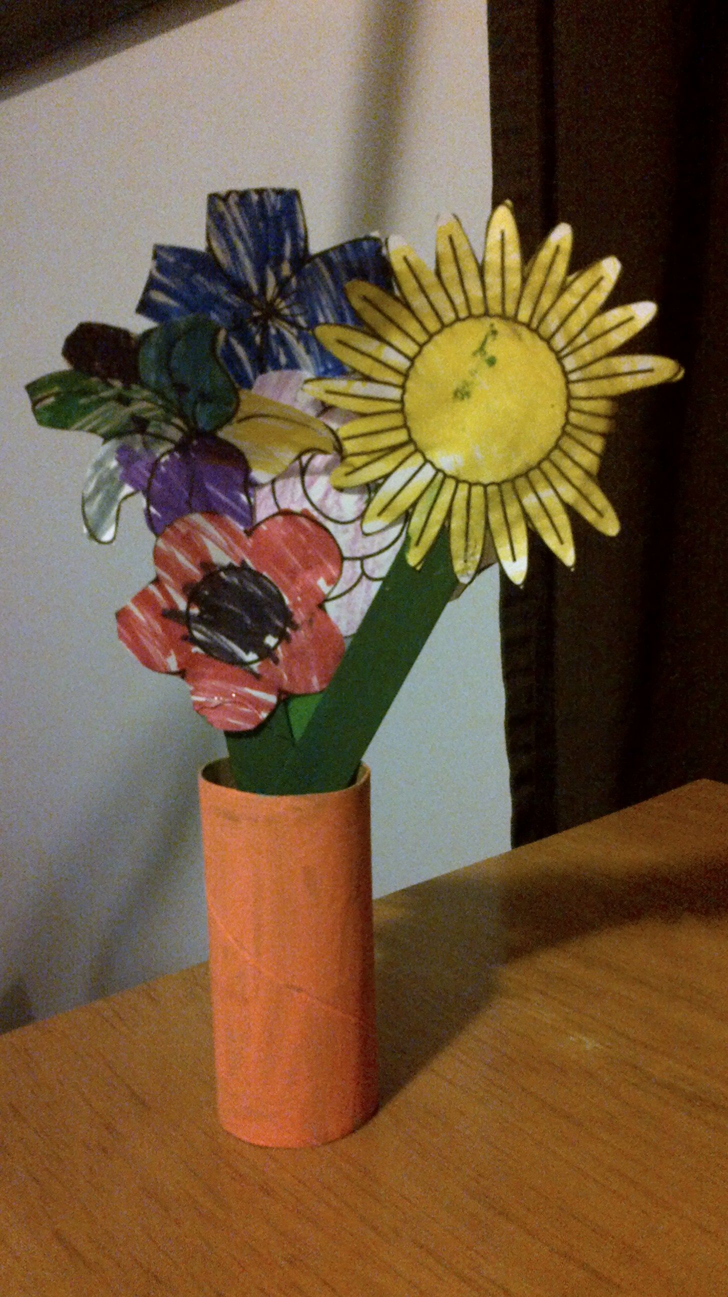 Girl scout idea easy flower craft have children paint toilet girl scout idea easy flower craft have children paint toilet paper rolls and different jeuxipadfo Images