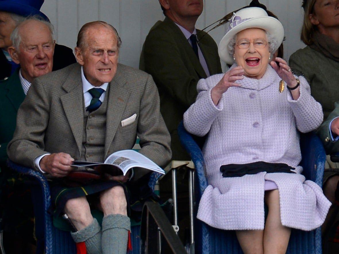 Pin On British Royal Family Fashion [ 885 x 1180 Pixel ]