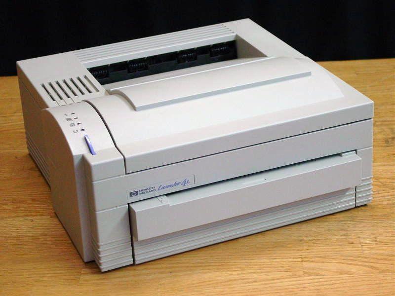HP LaserJet 4 L - seit Jahren mein lautloser, zuverlässiger (kein einziger Ausfall) und sparsamer Drucker für Schwarz-Weiß-Drucke - gibt´s bei Ebay heute schon für 10 EUR :-) .
