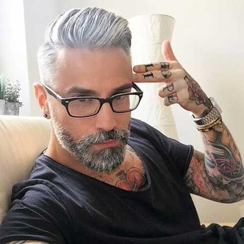 Mann graue haare