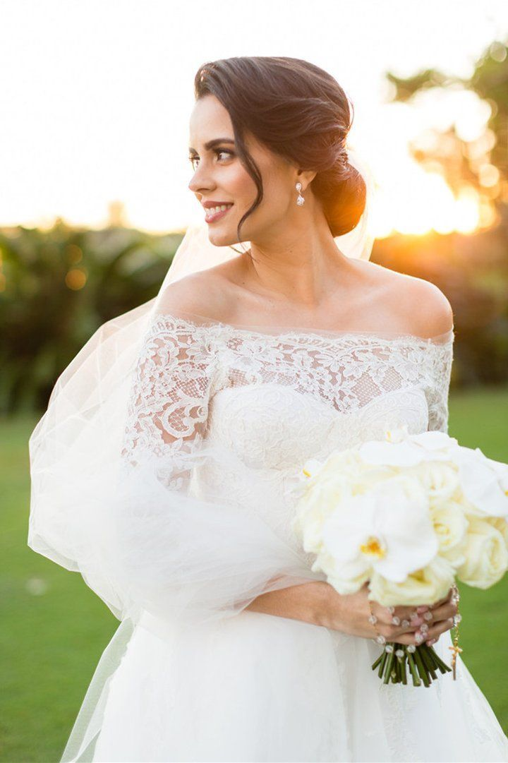 Lace 3/4 Sleeved Bridal Dress #bridalportraitposes