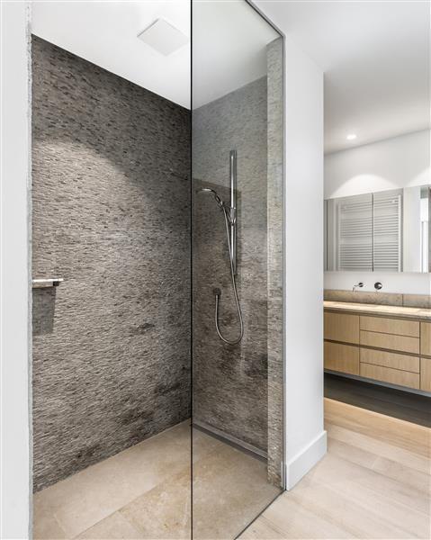 Strak landelijke badkamers jones living badkamer pinterest landelijke badkamers - Douche italiaans ontwerp ...