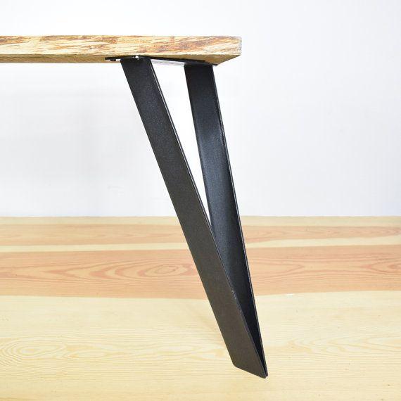 Le Pietement En Acier Le Cavalier Est Notre Nouveau Modele Il Allie Sobriete Et Elegance Et S Adapte Parfaitemen Steel Table Legs Table Legs Steel Table