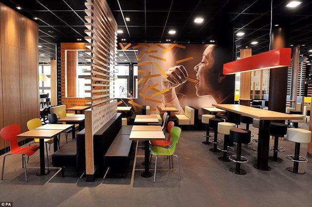 Liquida Notizie Opinioni E Curiosita Dalla Rete Restaurant Interior Restaurant Interior Design Open Dining Room