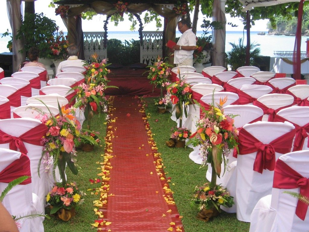 Wedding decorations outdoor wedding decoration ideas for Floral wedding decorations ideas