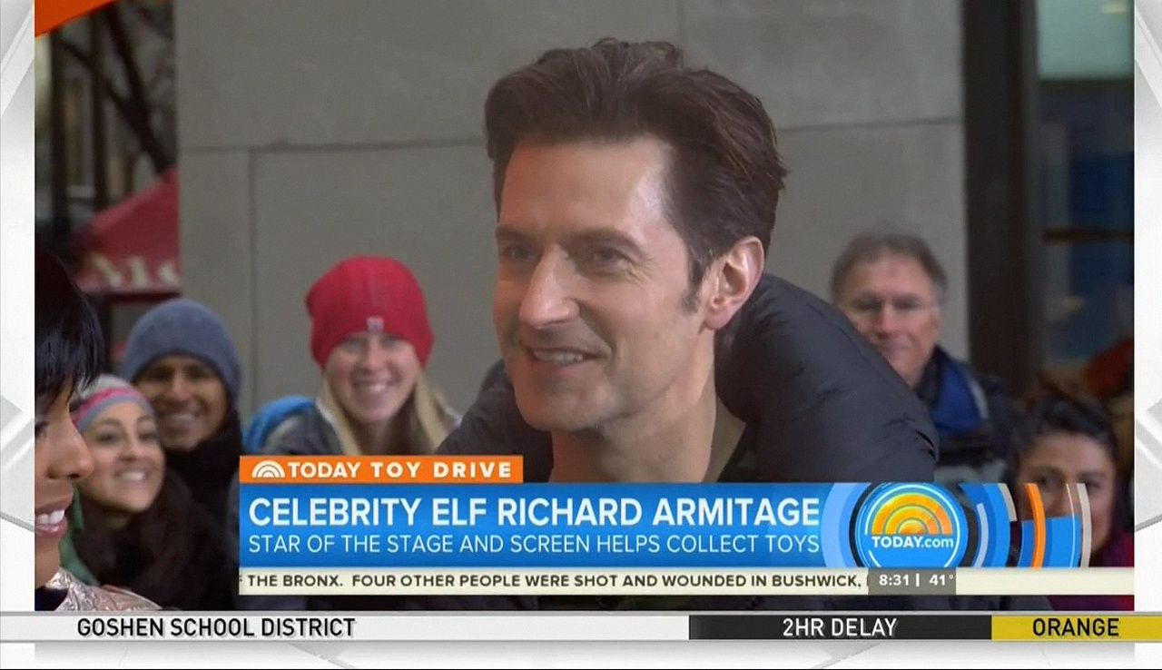 """Richard Armitage at """"Today Show"""" on December 12th-2016 in New York City - screencaps by Claudia Ludwig"""