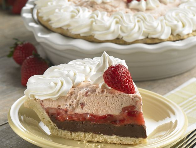 Fresh Strawberry Chocolate Harvest Pie From Cocos Best