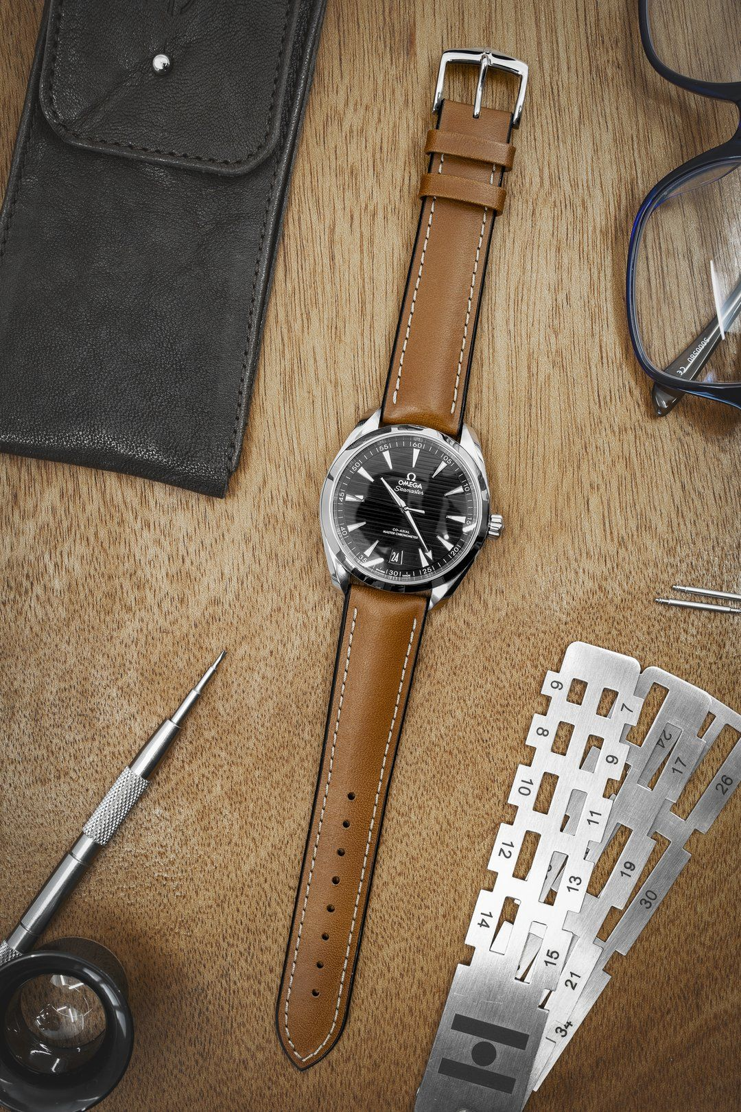 Hirsch james calf leather performance watch strap in gold
