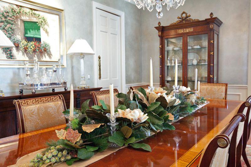 Flower Arrangement Ideas For Living Room Flowerarrangements Flower Flowerdecor Decor Christmas Dining Table Dining Table Centerpiece Christmas Interiors