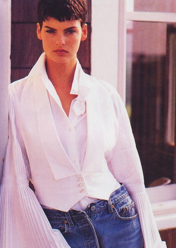 Linda Evangelista photographed by Gilles Bensimon for Elle US, August 1989