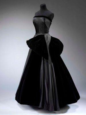 French Evening Gowns | Cygne Noir' (Black Swan) evening dress by Christian Dior. Silk satin ...