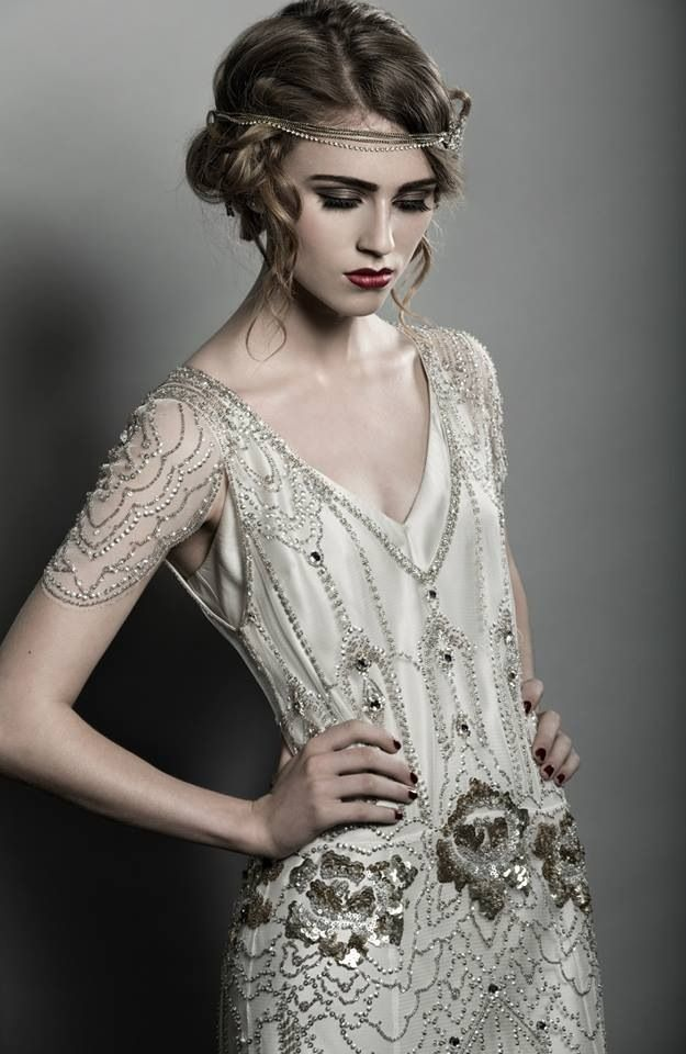 1920's great gatsby themed photoshoot, my professional pic! MUA: Janette Aiken (me) Hair: James Wallace Photography: Lee Mitchell Dress: Jenny Packham 'Eden' from Castle Couture Galgorm jαɢlαdy