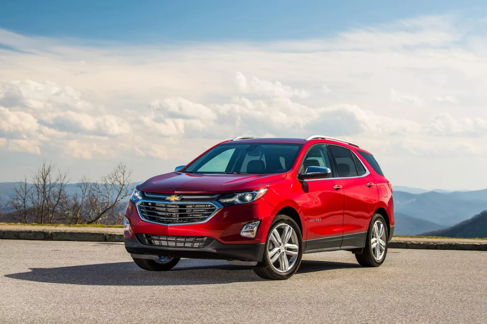 2020 Chevy Equinox S Headlight Tech Nabs It A Top Safety Pick Award Roadshow Chevy Equinox Chevrolet Equinox 2018 Chevy Equinox