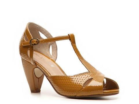 Chelsea Crew Nico Pump High Heel Pumps Pumps & Heels Women's Shoes - DSW Love it and it looks comfy!