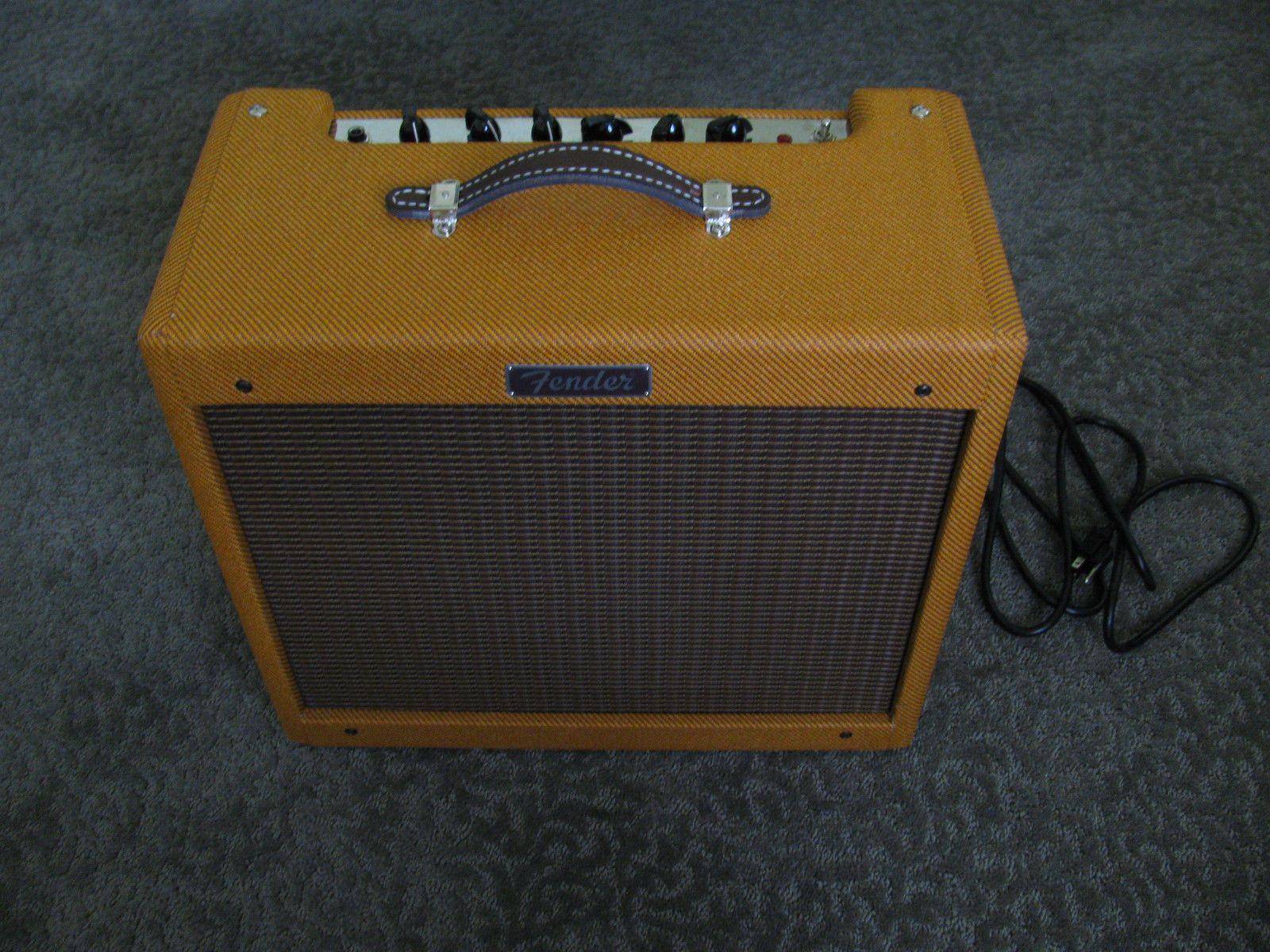 Fender Blues Junior 15 watt Combo Tube Amp Tweed (With
