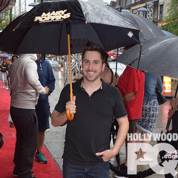 Les parapluies étaient de mise à la première de Mary Poppins | HollywoodPQ.com