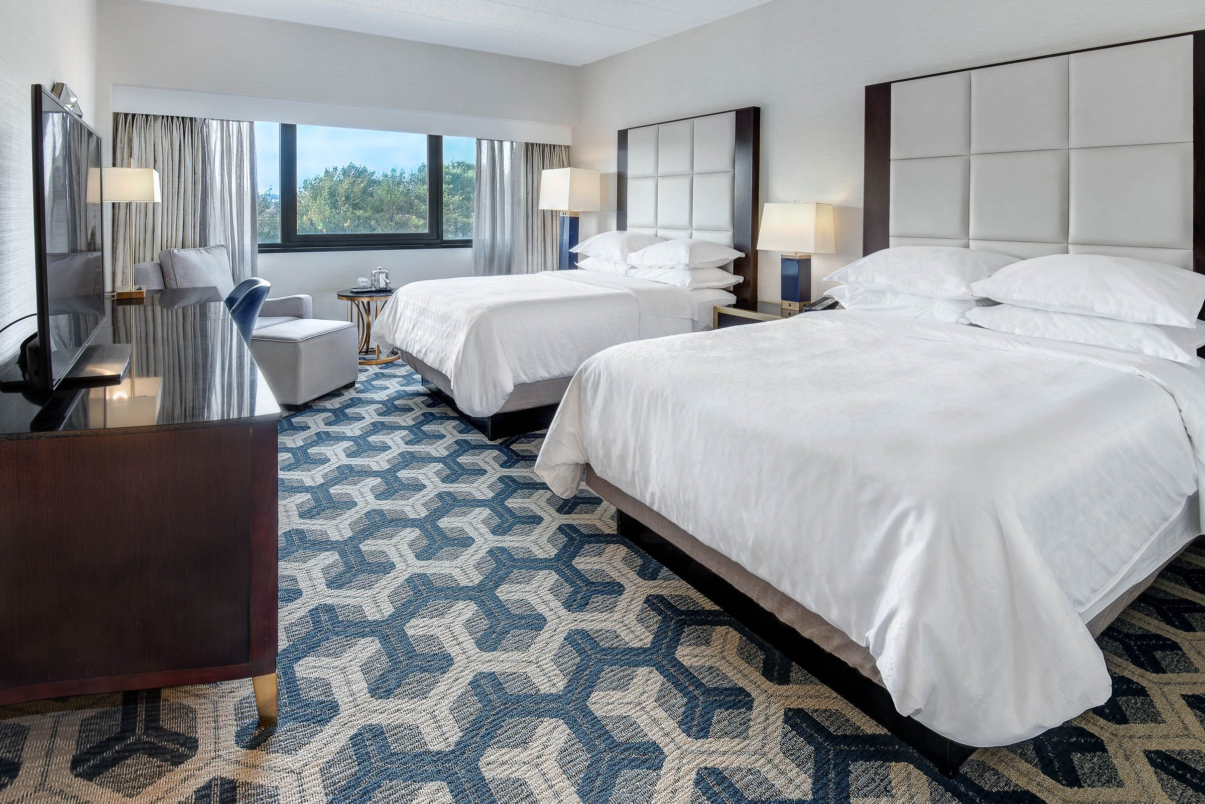 Traditional Two Queen Room Sheraton Eatontown Hotel Queen Room