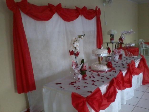 mesas de casamento decoradas com tnt 3 decoraç u00e3o de festas Banquet tables, Home Decor e