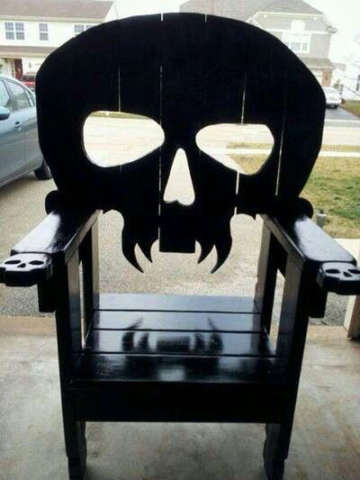 Charmant Goth Skull Chair I Was Thinking...old Chair, Paint It Black, Jigsaw The  Skull Out.