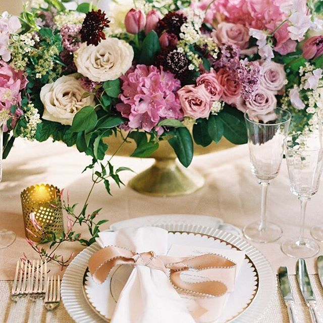 Romantic colors and spring flowers were created a romantic mood for this spring wedding!  #theknot #theknotweddings : @carolinetran | Planner: @lolievents | Flowers: @lewismillerdesign