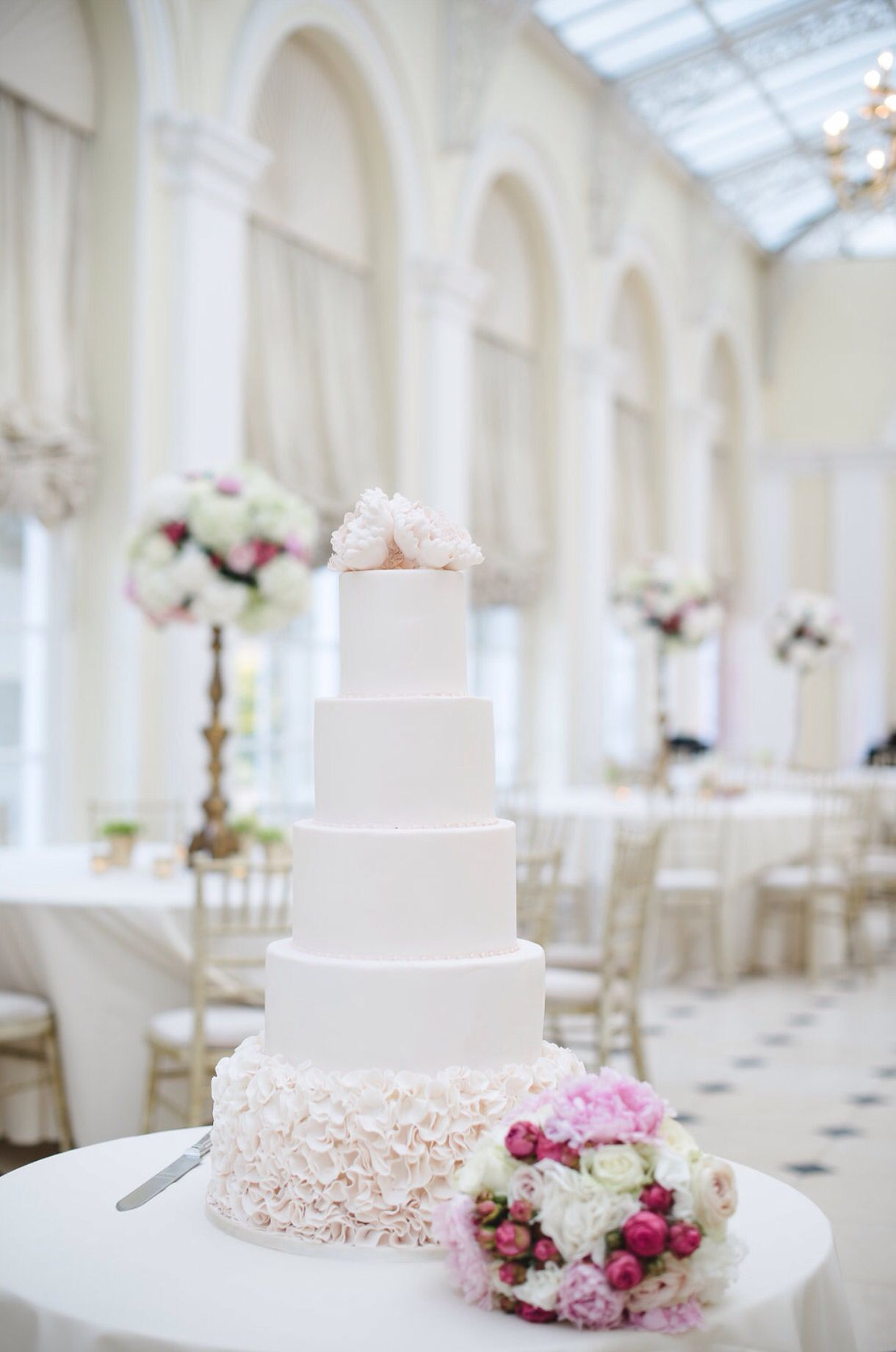 Blenheim Palace Wedding  Wedding Planner: Planned for Perfection Photographer: Weddings by Nicola & Glen Flowers: Joanna Carter Flowers Cakes: Petit Gateau www.plannedforperfection.co.uk