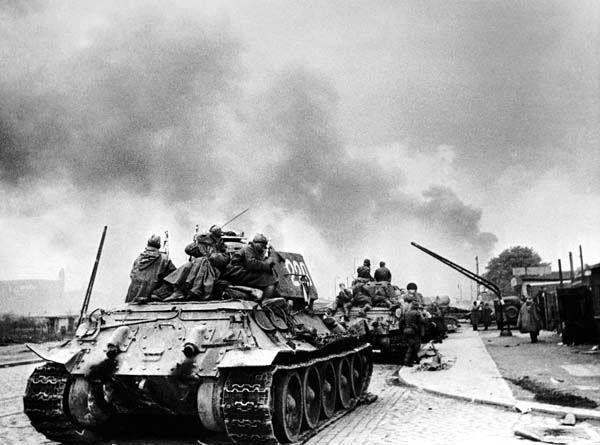 Soviet troops reaching Berlin, 23 April 1945.