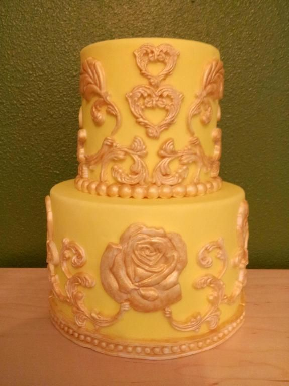Baroque Details - via @Craftsy | Cakes, Cupcakes and more ...