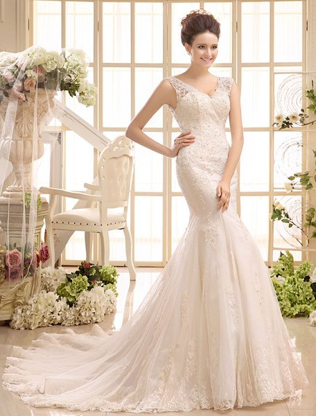 Court Train Ivory Bridal #Wedding #Gown with V-Neck Mermaid Beading