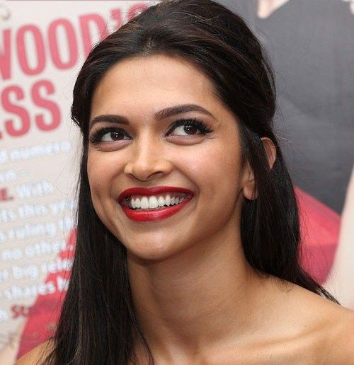 Deepika Padukone | Beautiful actresses, Smile pictures