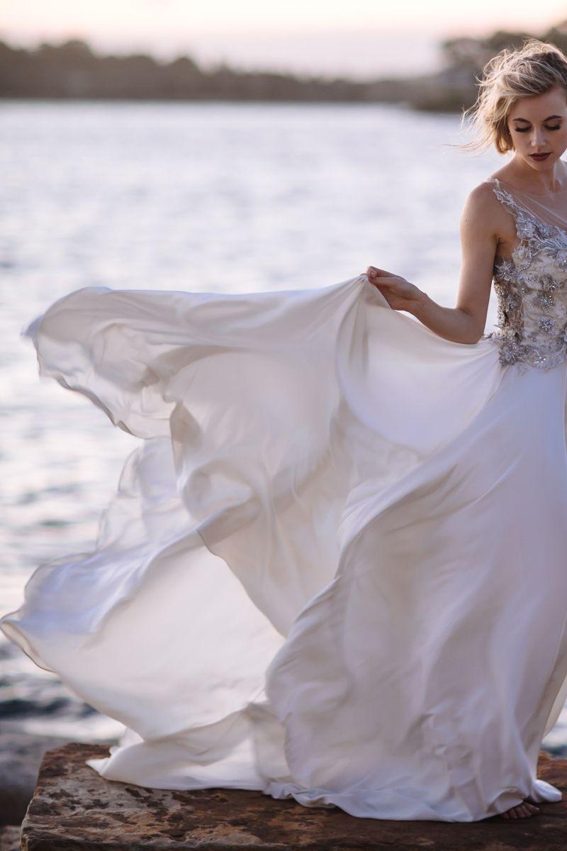 Atemberaubendes Brautkleid von Moira Hughes Couture ~ Look of Love ...