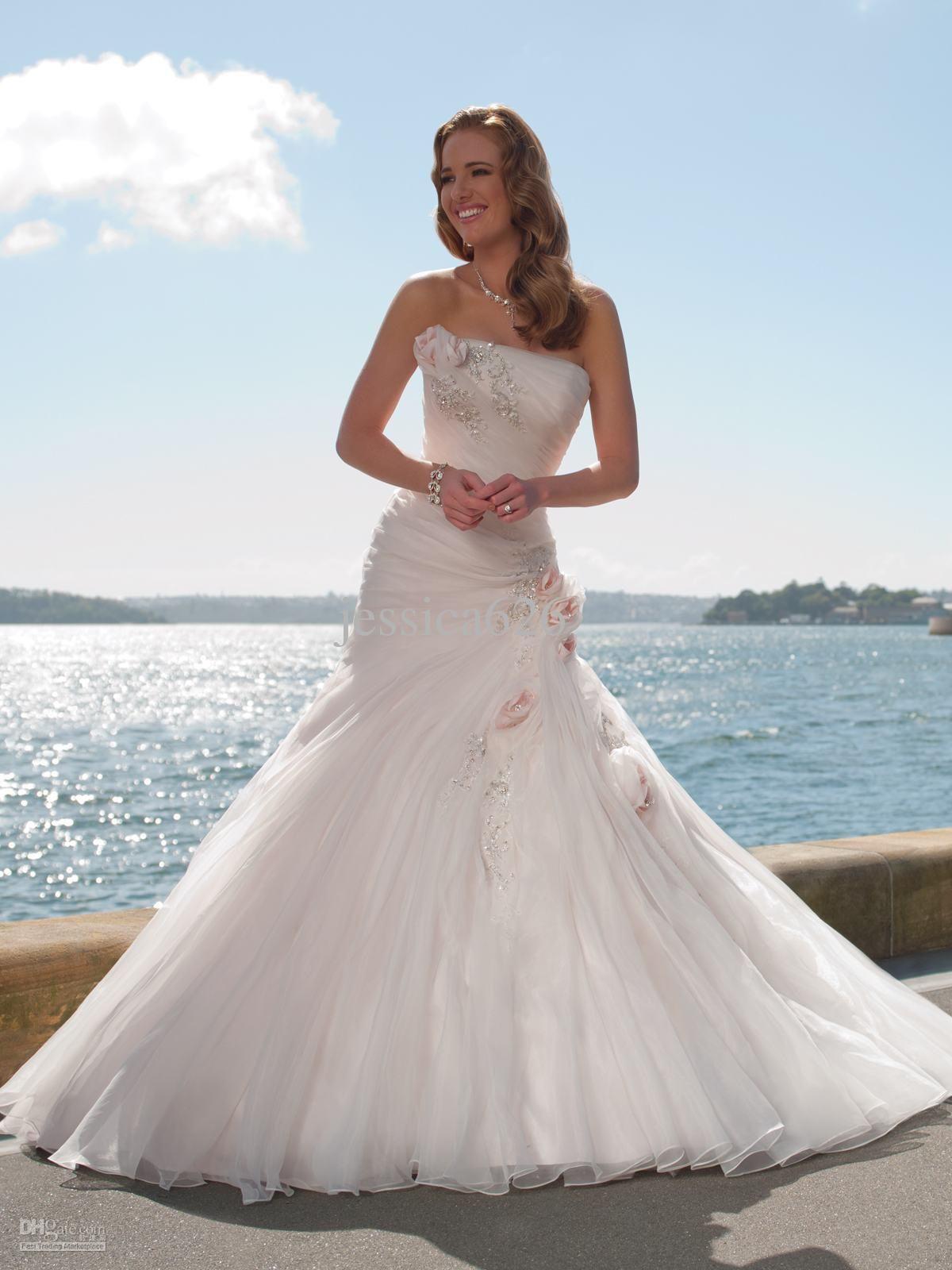 Wedding dresses on short brides  Summer Outside Wedding Dresses  Womenus Dresses for Weddings Check