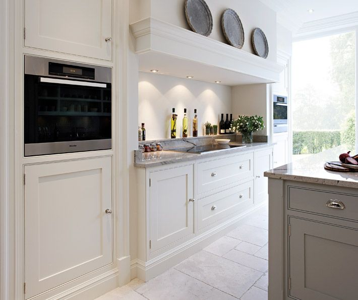 Contemporary shaker kitchen bespoke kitchens tom for Shaker style kitchen modern