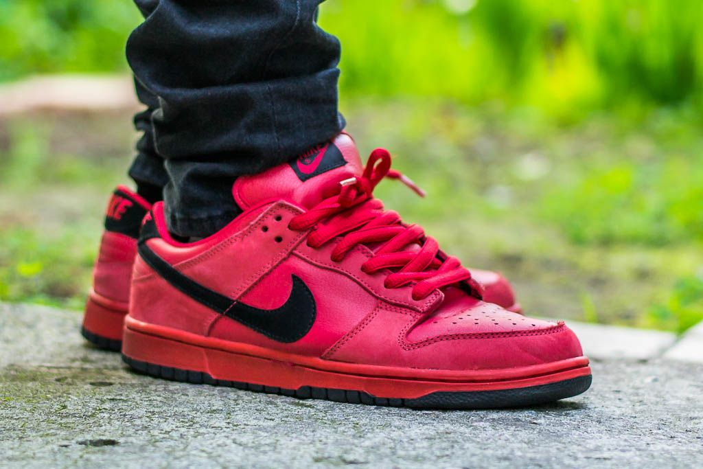 official photos aea58 42511 Nike Dunk Low SB True Red On Feet Sneaker Review | Sneakers ...