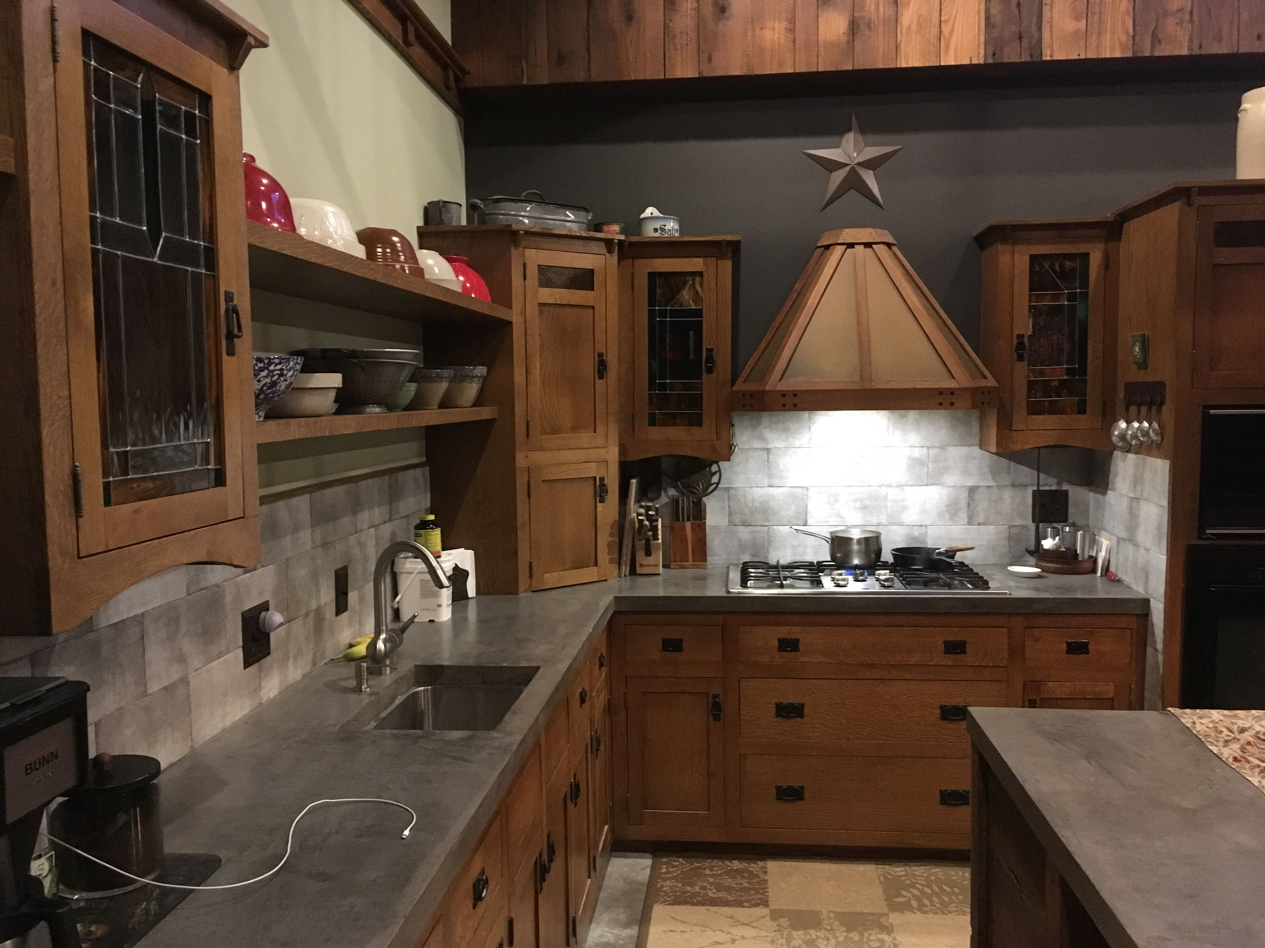 Quartersawn Oak Cabinets With Concrete Countertops Craftsman Style Kitchens Interior Design Kitchen Kitchen Design