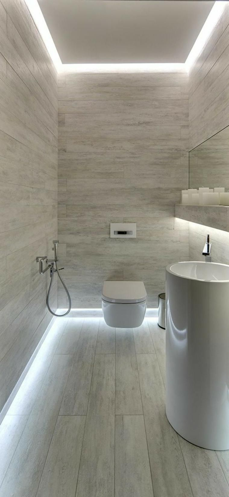Auch Ein Bad Mit Dachschrage Eignet Sich Perfekt Fur Eine Holz Decke Bad Mit Dachschrage Modernes Badezimmerdesign Moderne Bader