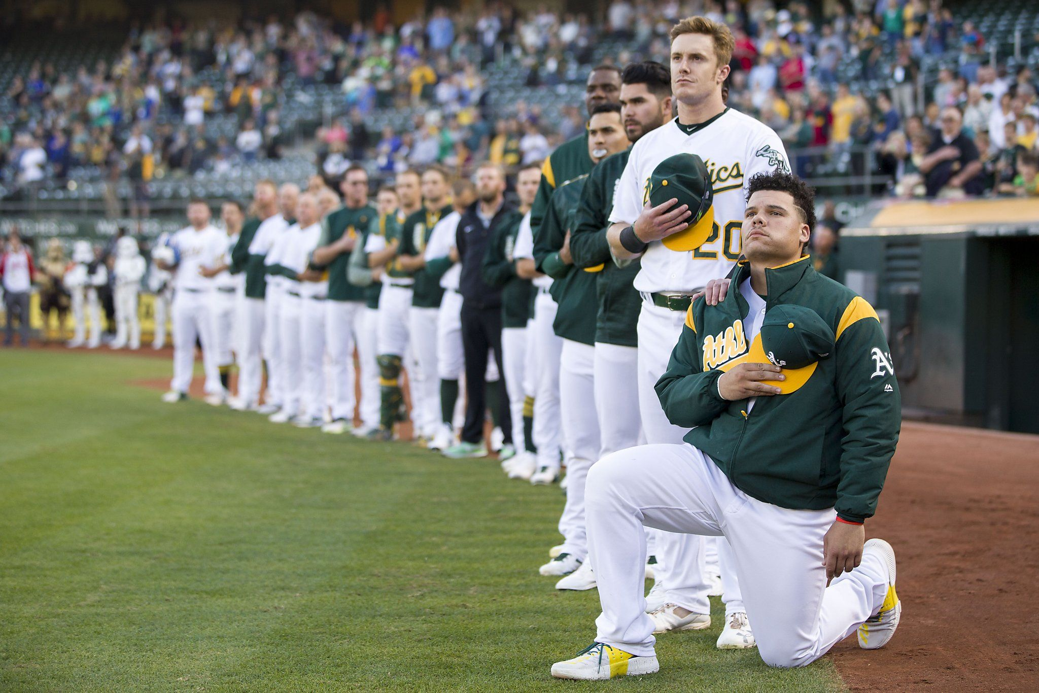 Pro Trump Waiter Refuses To Serve Oakland A S Player Who Knelt During Anthem Major League Baseball Players Kneeling During National Anthem Baseball Players