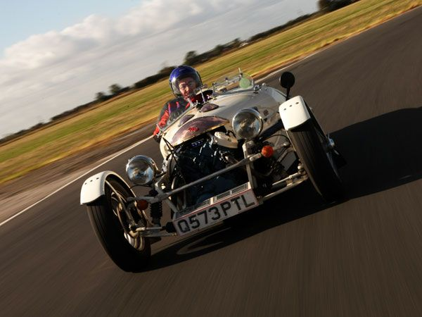JZR - Front-mounted 52-hp Honda with 80-degree water-cooled