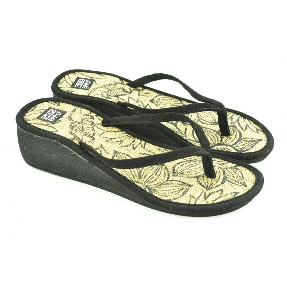 Flip flops de entrededo con cuña de 3cm de altura de suela goma eva y corte de tejido de la marca GIOSEPPO.