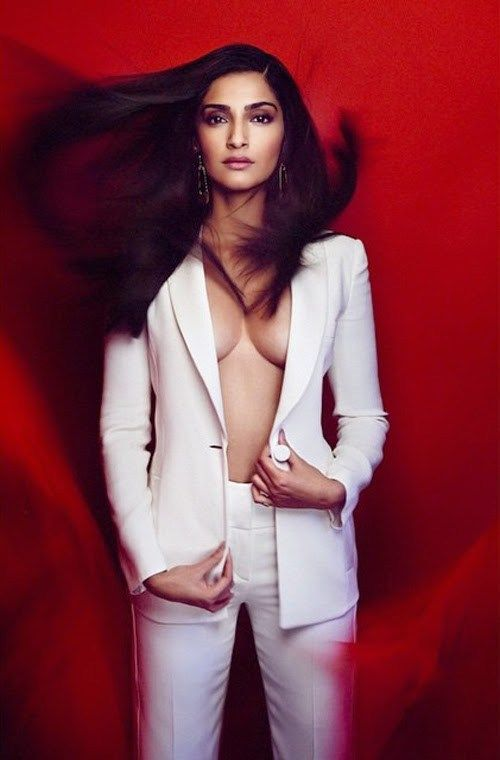 Sonam kapoor hot sexy picture