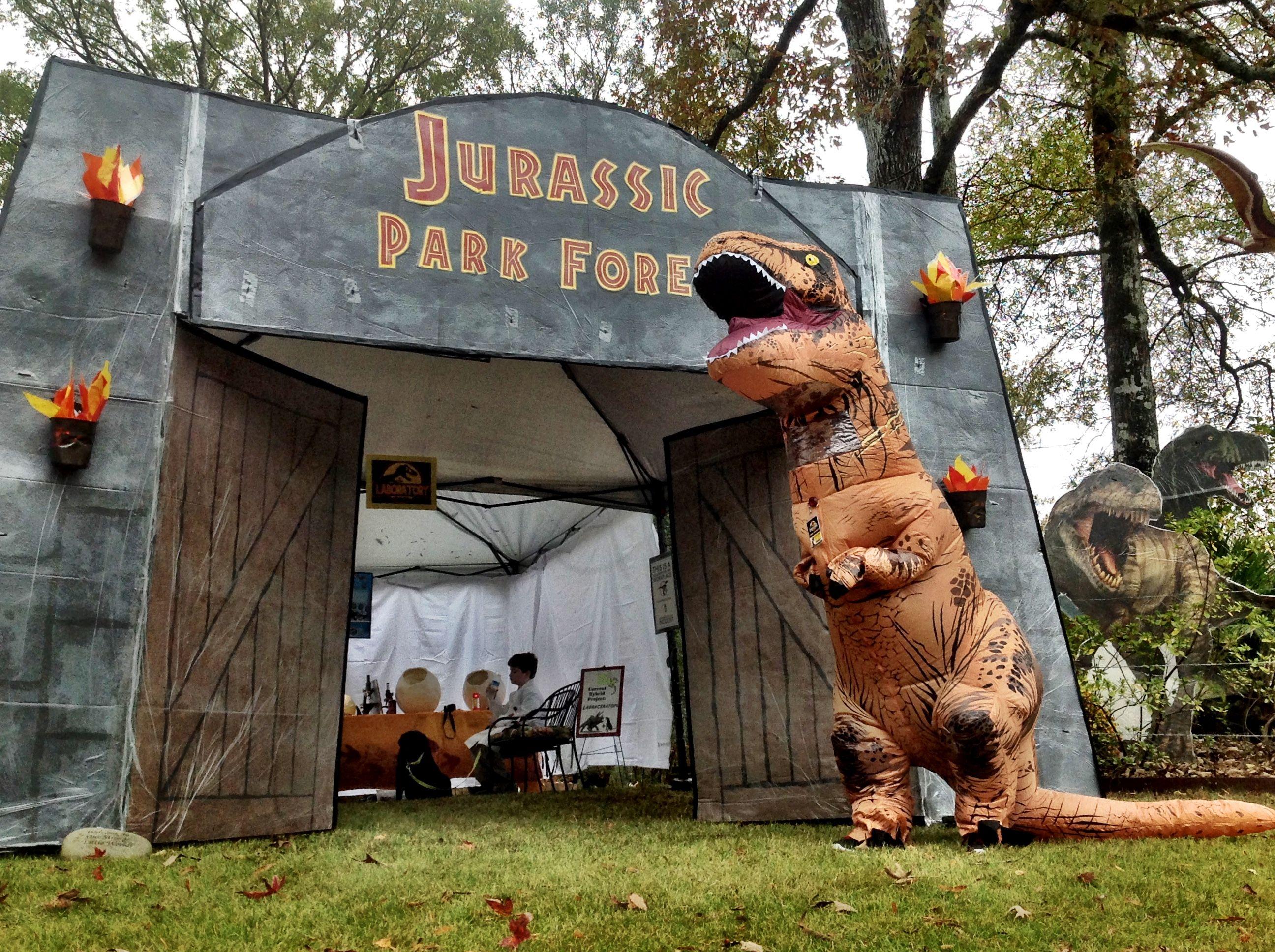 parkforesthalloween Jurassic park theme Halloween yard