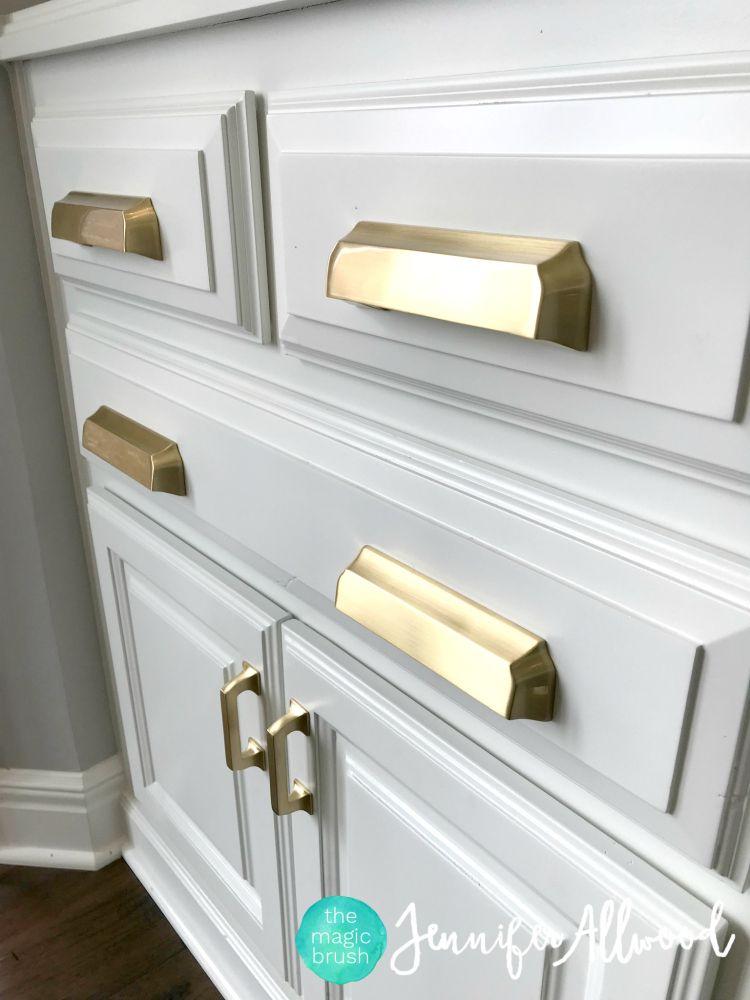 gold hardware kitchen jennifer allwood the magic brush homedecor decoratingtips in 2020 on kitchen cabinets gold hardware id=88624