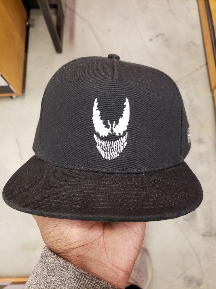 cb0f258cfc7 Vans Off The Wall Men s X Marvel Snapback Hat Cap - Black Venom  fashion   clothing  shoes  accessories  mensaccessories  hats (ebay link)