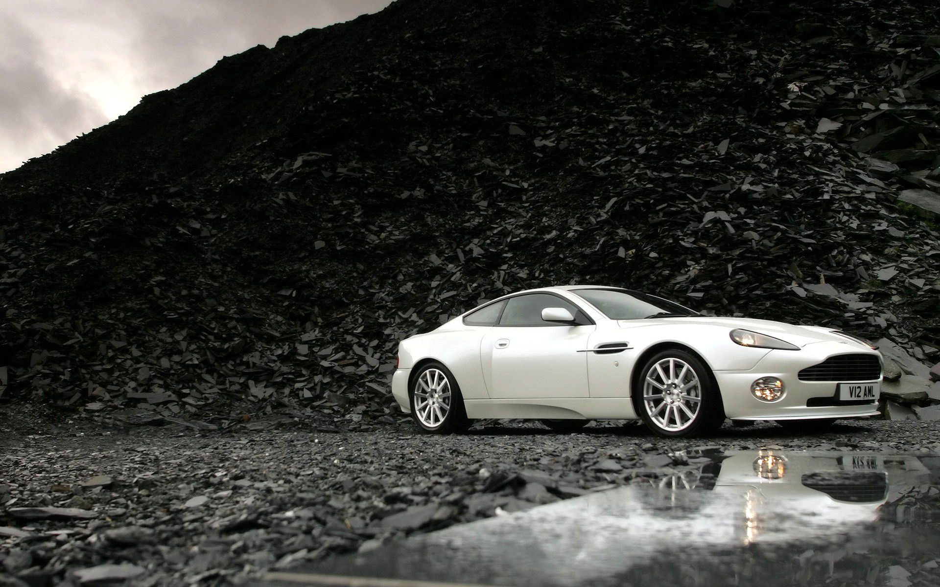 Aston Martin Wallpaper Widescreen #60t Amazing Pictures