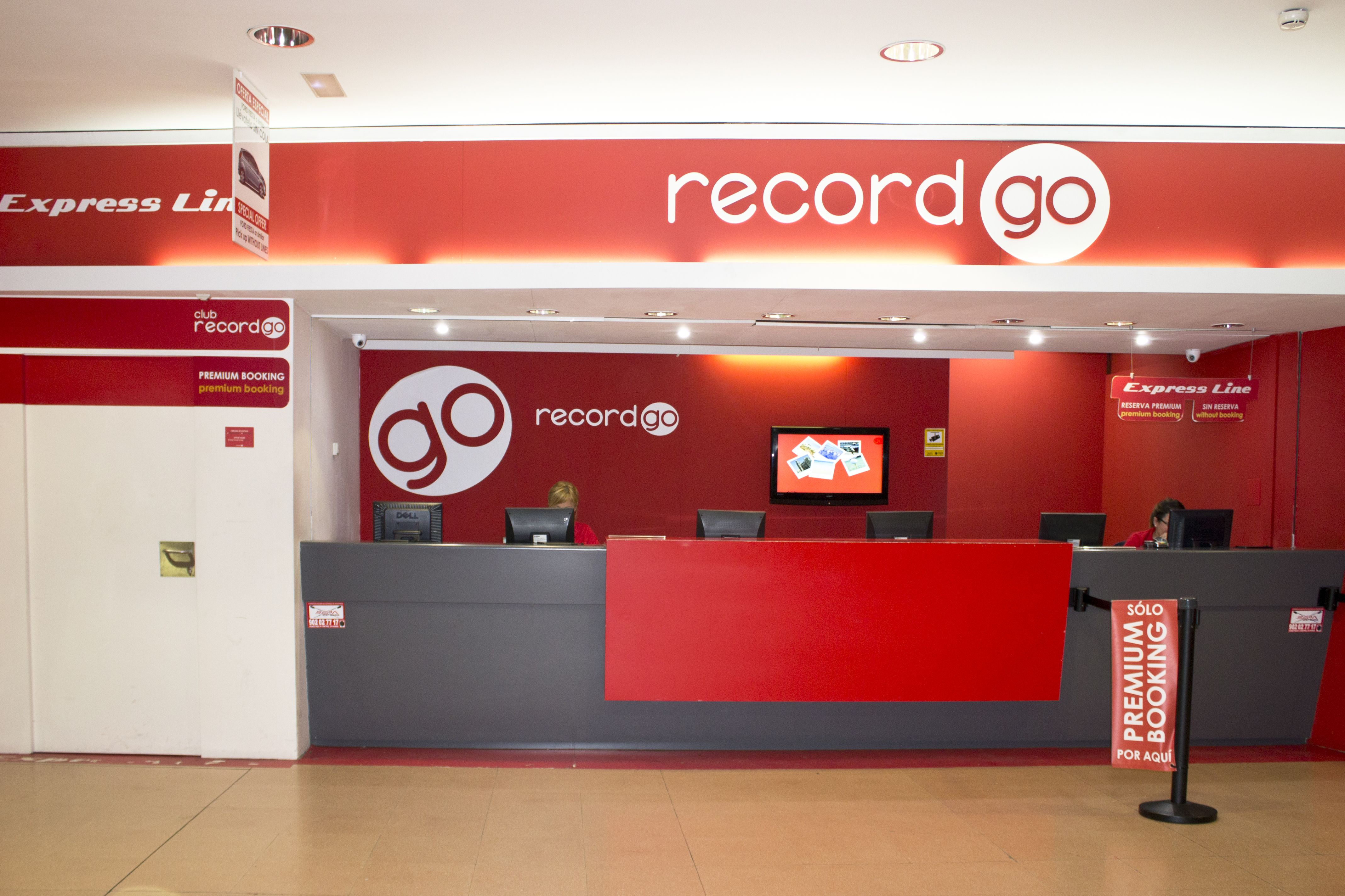 Record go aeropuerto de m laga for Oficina de consumo alicante