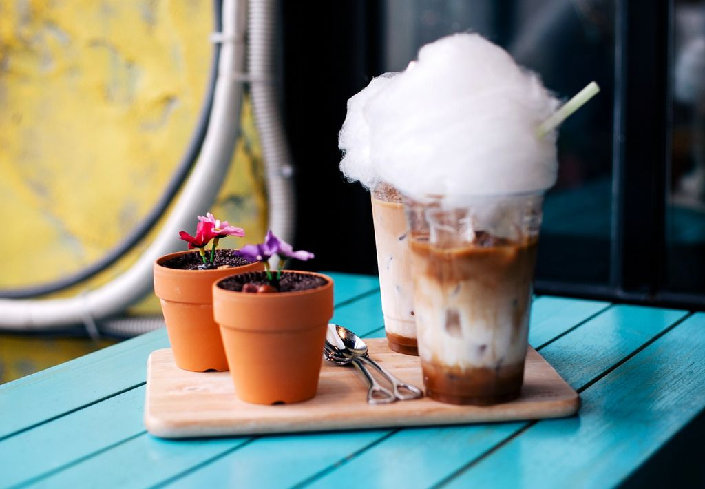 Pin By Furuya Shishio San On Desserts Banana Tree Cafe Flower Pots