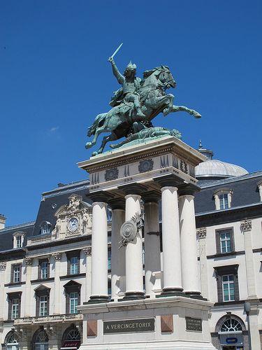 Vercingetorix 1903 Sculpture De Frederic Auguste Bartholdi Place De Jaude Clermont Ferrand 63 Clermont Ferrand Statue Of Liberty Statue