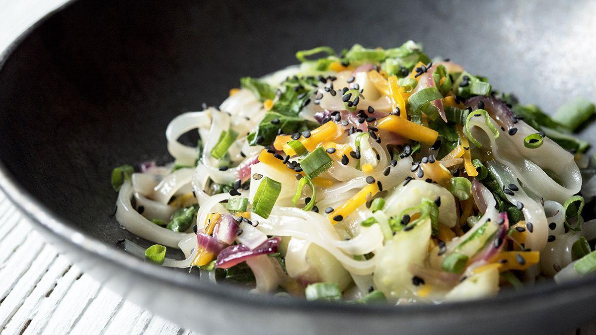 Jak Zrobic Szybki Makaron Azjatycki Marieta Marecka Gotuje W Kuchni Vegetables Cabbage Food