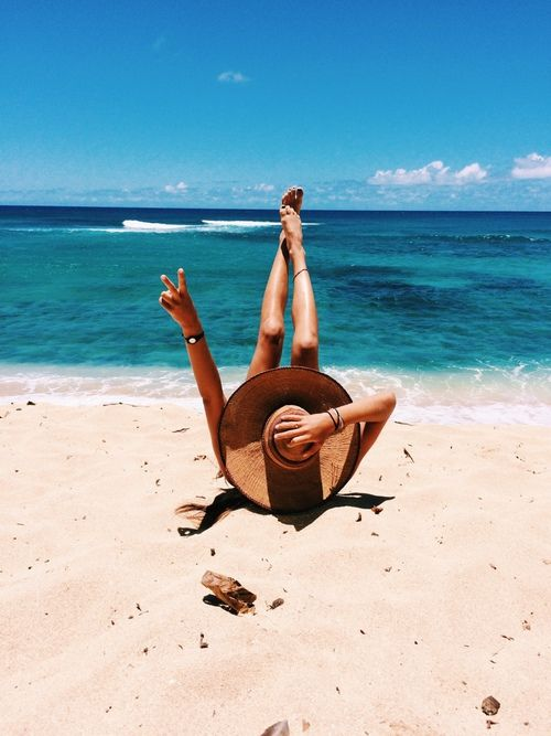 inspire | girl | beach | lifestyle | beach bum | sand | ocean | sea | peace | happy