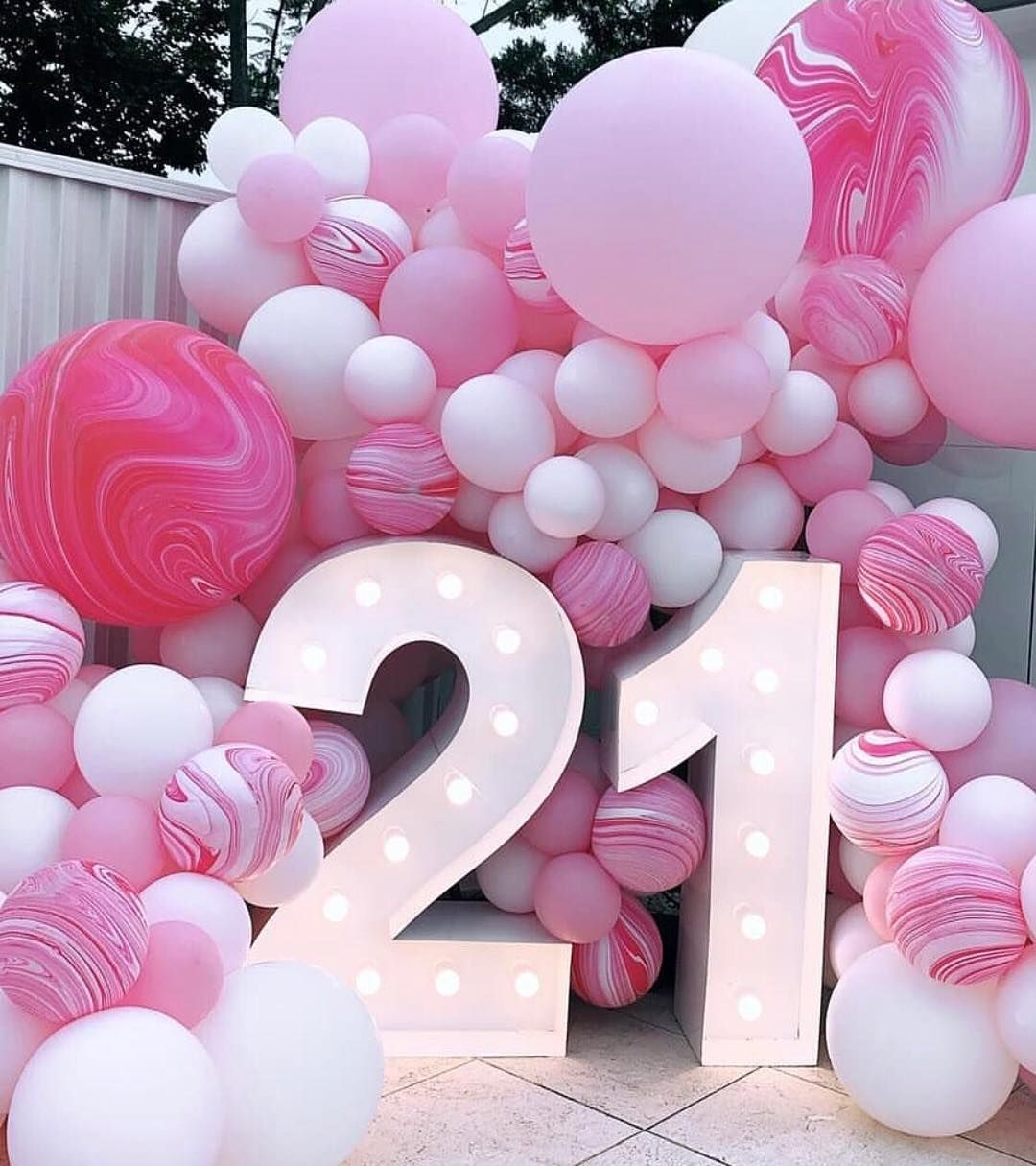 bubblemooballoons @events_florist @sweetheavenlyeventshire @limelightletters @angusporterphotography… #21stbirthdaydecorations