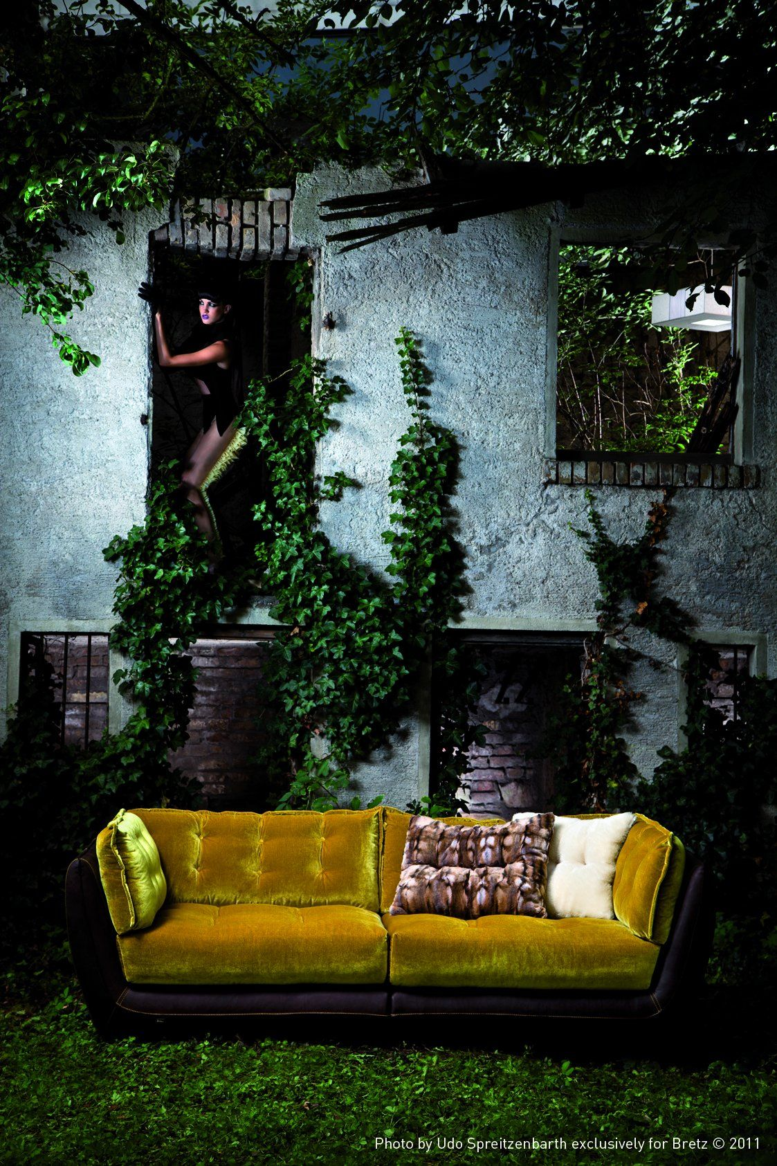 Split Pea Green Velvet Couch My Ideal Home Velvet